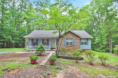 Waxhaw Single Family Home Under Contract-Show: 6907 Shady Oak Lane