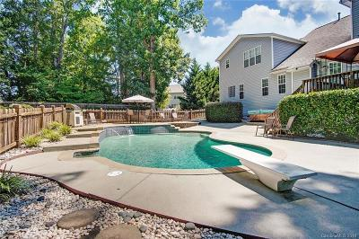 Single Family Home Under Contract-Show: 1432 Willow Ridge Lane