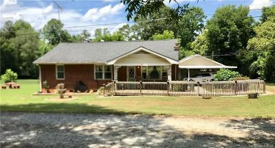 Belmont Single Family Home For Sale: 202 Highland Street