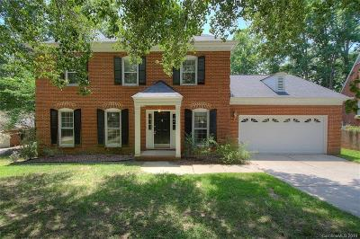 Single Family Home For Sale: 100 Foxfield Lane