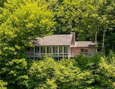 Single Family Home For Auction: 108 Tsiska Court