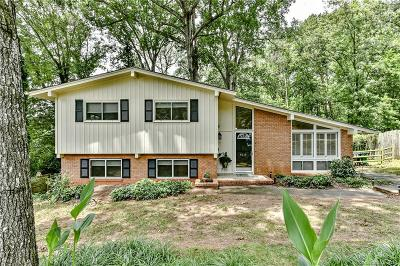 Single Family Home Under Contract-Show: 6114 Colchester Place