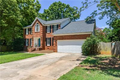 Matthews Single Family Home For Sale: 12200 Hickory Knoll Court