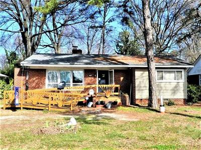 Charlotte Single Family Home For Sale: 447 Woodlawn Road
