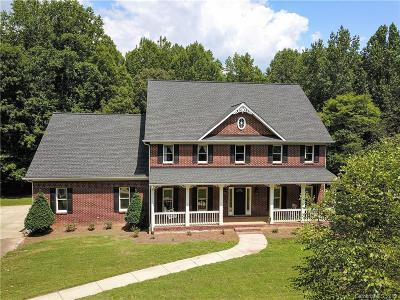Waxhaw Single Family Home For Sale: 7608 Big Buck Trail
