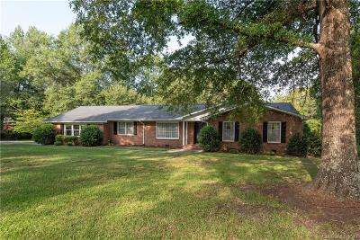 Single Family Home Under Contract-Show: 1536 McIlwain Road
