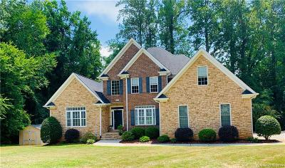 Mooresville Single Family Home For Sale: 225 Woodstream Circle