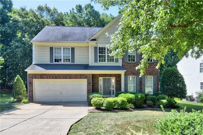 Huntersville Single Family Home For Sale: 8823 Deerland Court