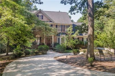 Single Family Home For Sale: 440 Brook Bluff Lane