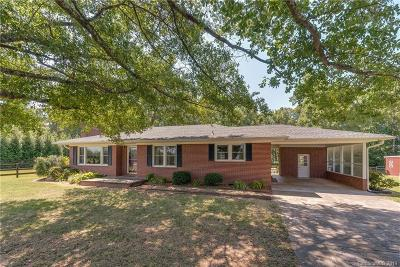 Columbus Single Family Home Under Contract-Show: 7640 Hwy 9 Highway