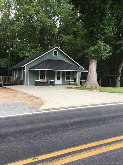 Catawba County Single Family Home For Sale: 1668 Mollys Backbone Road
