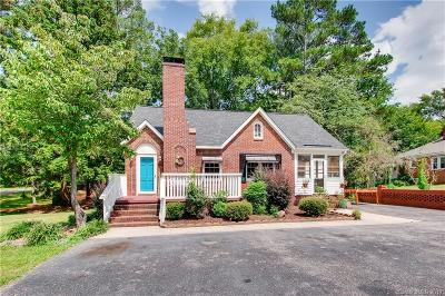 Single Family Home For Sale: 514 N Elm Street