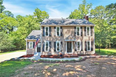 Charlotte Single Family Home For Sale: 7001 Cool Springs Lane