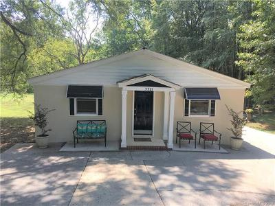 Monroe Single Family Home For Sale: 5521 Waxhaw Highway