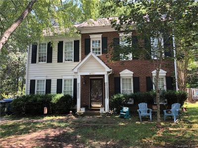 Single Family Home Under Contract-Show: 4321 Hounds Run Drive
