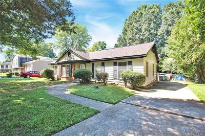 Single Family Home For Sale: 323 Red Roan Place
