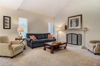 Charlotte Condo/Townhouse For Sale: 6606 Point Comfort Lane