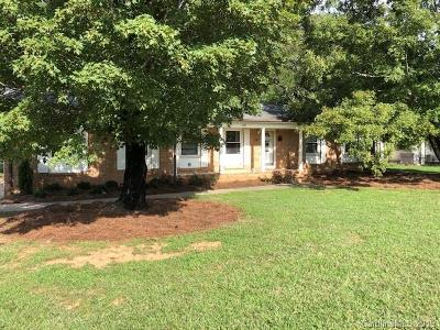 Monroe Single Family Home For Sale: 1101 Circle Drive