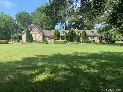 Single Family Home For Sale: 13814 Moss Road