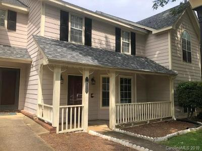 Condo/Townhouse For Auction: 2820 Iron Gate Lane