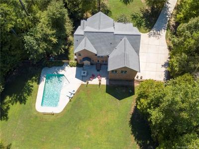 Waxhaw Single Family Home For Sale: 8121 Cane Pointe Lane