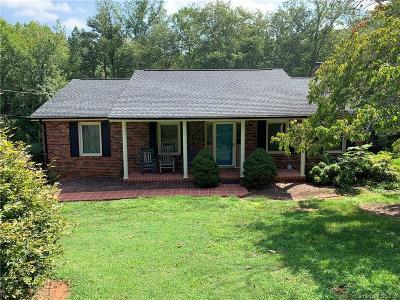 Catawba County Single Family Home For Sale: 3834 23rd St Lane NE