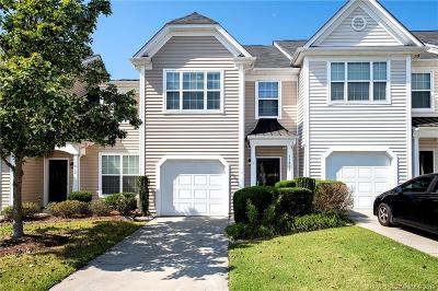 Single Family Home Active Under Contract: 11808 Lion Cub Lane