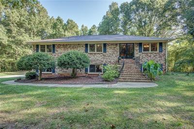Gastonia Single Family Home For Sale: 116 Royal Oaks Lane