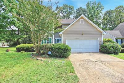 Charlotte NC Single Family Home Active Under Contract: $209,000