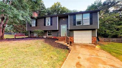 Single Family Home For Sale: 8542 Glenway Court