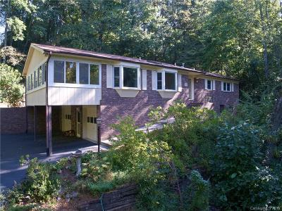 Hendersonville Single Family Home For Sale: 446 Deerhaven Lane