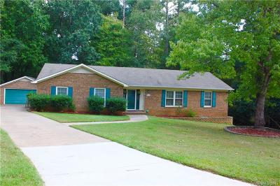 Charlotte Single Family Home For Sale: 8121 Red Cap Lane