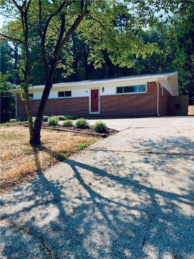 Hickory NC Single Family Home Under Contract-Show: $159,000