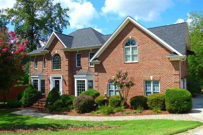 Hickory Single Family Home For Sale: 1004 Northshore Dr