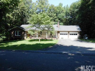 Caldwell County Single Family Home For Sale: 1017 Bramblewood Ct