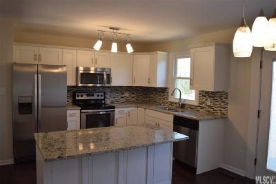 Caldwell County, Alexander County, Watauga County, Avery County, Ashe County, Burke County Single Family Home For Sale: 149 Mountain Oak Ln