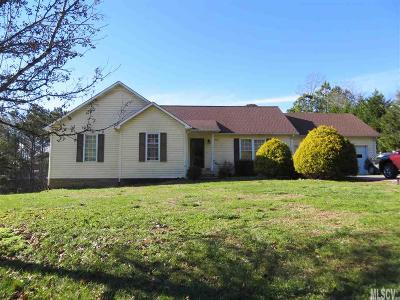 Caldwell County Single Family Home For Sale: 5663 Silverbell Ln