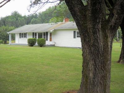 Franklin Rental For Rent: 2854 Burningtown Rd.