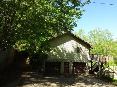 Single Family Home For Sale: 836 Brown Rd