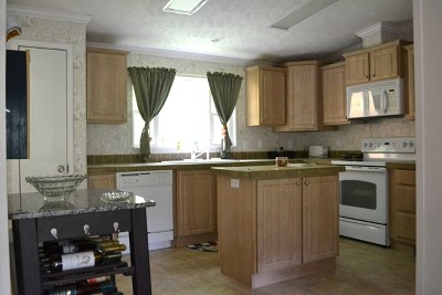 Single Family Home For Sale: 406/410 Lower Tuskeegee Road