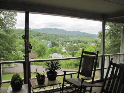 Franklin NC Single Family Home For Sale: $115,000