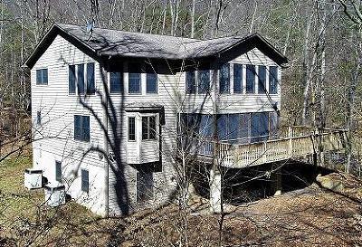 Jackson County Single Family Home For Sale: 567 Catnip Rd