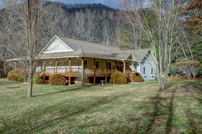Jackson County Single Family Home For Sale: 237 Shook Cove Rd