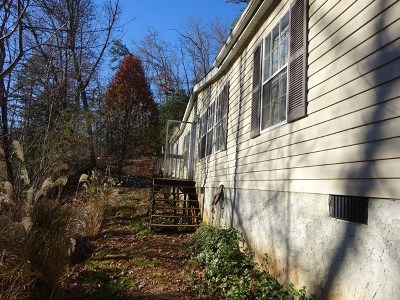 Macon County Single Family Home For Sale: 327 Wilds Cove Rd