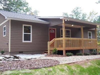 Jackson County Single Family Home For Sale: 62 Sugar Maple Lane