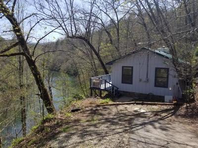 Jackson County Single Family Home For Sale: 579 Riverside Drive