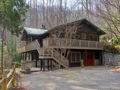 Jackson County Single Family Home For Sale: 376 Hutchinson