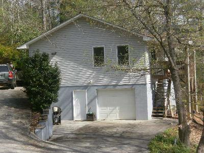 Macon County Single Family Home For Sale: 131 Woodland Hills Drive