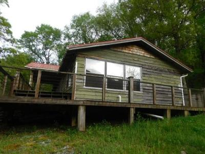 Jackson County Single Family Home For Sale: 411 Windy Gap Road