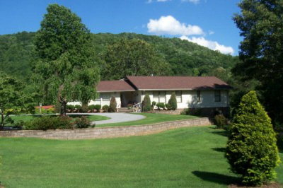 Macon County Single Family Home For Sale: 841 Lakey Creek Road